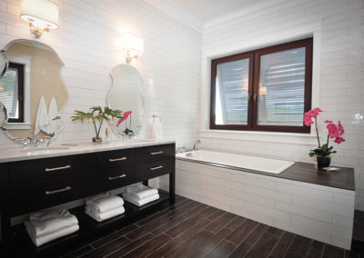 Pritchard Design Group The Reserve Barrique Nero 6 x 24 Bathroom with matching white wall tile