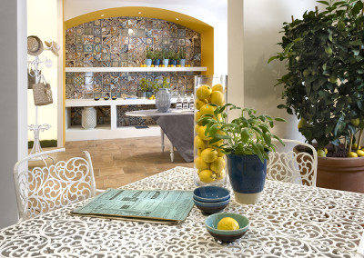 Del Conca Giallo Floor with Corti Di Canepa Backsplash Mix
